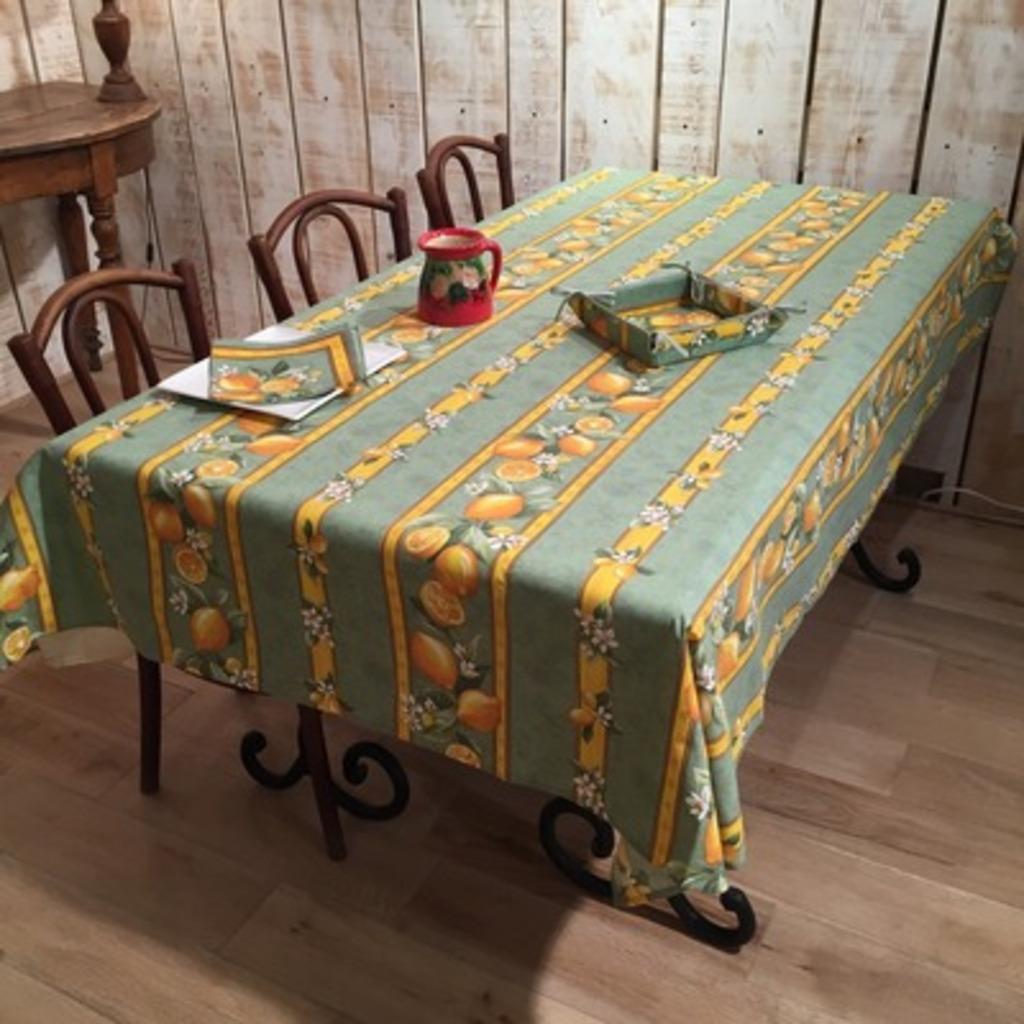 TABLECLOTH COATED GREEN LEMONS